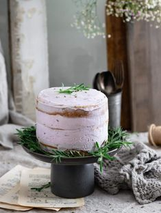 Recipe for Lavender Buttercream, a cake frosting using dried culinary lavender without milk. Spreadable purple cake frosting without food coloring with a light lavender flavor. Frosting Recipes, Cake Recipes, Dessert Recipes, Cupcakes, Cupcake Cakes, Zumbo Desserts, Lavender Cake, Culinary Lavender, Poppy Seed Cake
