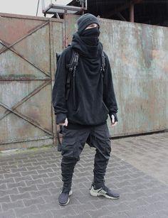 Herrenmode / Urban Dystopia / Ninja / All Black / Streetwear - FutureFashion - Cyberpunk Mode, Cyberpunk Fashion, Fashion Catwalk, Dark Fashion, Steampunk Fashion, Gothic Fashion, Urban Apparel, Streetwear Mode, Streetwear Fashion