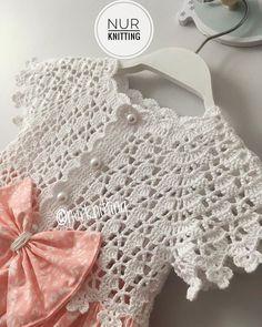 Beautiful and Handsome – Pin Crochet Yoke, Crochet Baby Cardigan, Crochet Baby Clothes, Crochet Blouse, Free Crochet, Sundress Pattern, Knitting Patterns, Crochet Patterns, Diy Crafts Crochet