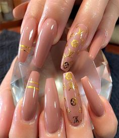 Beautiful photo - check out our brief article for lots more ideas! Summer Acrylic Nails, Best Acrylic Nails, Acrylic Nail Designs, Nail Swag, Mochila Louis Vuitton, Nail Stencils, Nail Tattoo, Tattoo Art, Gem Nails