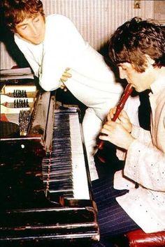John & Paul, The Fool on the Hill, 1967.