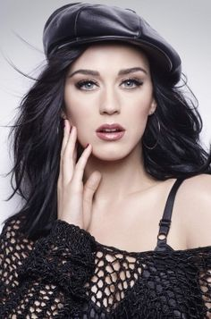 Katy Perry - Born on 25 October 1984 in Santa Barbara, California (USA). Birth name was Katheryn Elizabeth Hudson.