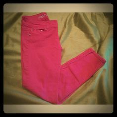 Pink skinny legged jeans ***In excellent condition*** ***Stretchy*** ***Skinny legged***  ***Junior Size*** Rue 21 Jeans Skinny