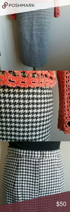 Vintage Houndstooth Skirt Pristine condition, thick soft non itchy wool, beautifully hand-made, unlined, back kick pleat, simple and classic. You can't go wrong with this one! Chenille sweater available in another listing. Skirts Pencil