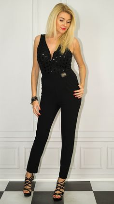 Photo Sessions, Jumpsuit, Dresses, Fashion, Overalls, Vestidos, Moda, Fashion Styles, Jumpsuits