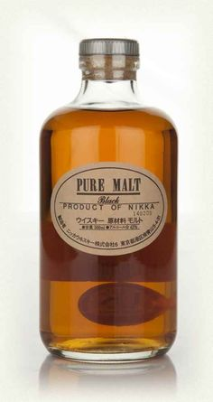 Whisky Nikka Pure Malt Black 50cl por sólo 42,35 € en nuestra tienda En Copa de Balón: https://www.encopadebalon.com/es/whiskies/1403-whisky-nikka-pure-malt-black-50cl Nikka Black Pure Malt 50cl is an amazing example of what the Japanese whiskey is really capable of doing. Masataka Taketsuru, trained and love whiskey in Scotland, founded in 1934 Nikka Yoichi Currently the 2nd largest producer in Japan with a wide range of malts and blendeds.