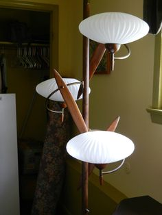 One of the best tension pole lamps I have ever seen.