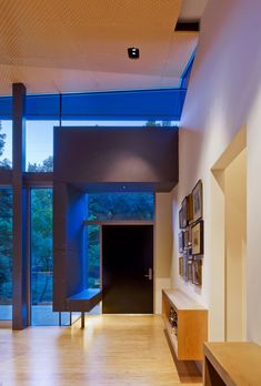 ♥ Ross Residence by Griffin Enright Architects | HomeDSGN, a daily source for inspiration and fresh ideas on interior design and home decoration.