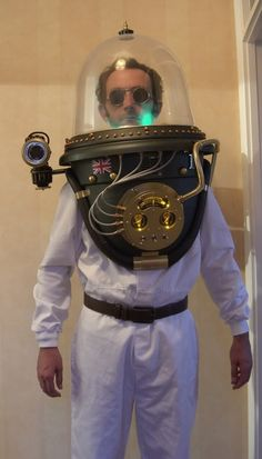 New Project- 'Steampunk Space Helmet' ...FINISHED PICTURES ON PAGE 53...