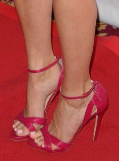 Emmy Rossum wearing raspberry leather Elie Saab sandals at the 2014 GLAAD Media Awards | Trend 911