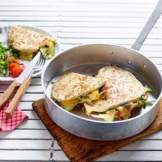 Pain cuit à la poêle au jambon d'Ardenne et au fromage Averbode