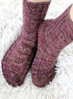 Ravelry: Maariat II pattern by Niina Laitinen Knitting Socks, Knit Socks, One Color, Colour, Yarn Colors, Mittens, Ravelry, Slippers, Stockings