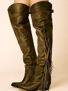 I would NEVER wear fringe.... Until I saw these! Plus my chicken legs love items that cover my boney knees:)