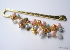 Unique Metal Bookmark Pink and Gold Pearl Bookmark by Beadsery https://www.facebook.com/Beadsery http://beadsery.blogspot.com/