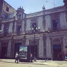 """""""""""The House of Tiles"""" (Casa de los Azulejos)  We saw this, and got a little history lesson on a brilliant walking tour with @mexicoapie 👌😎 #mexico #mexicodf #mexicocity #travel #traveling #traveltime #travels #travelblogger #bloggers #instagood #instatraveling #vacation #holiday #explore #exploring #tiles #house #tilehouse #walkingtour"""" by @spotgoesonholiday. #pic #picture #photos #photograph #foto #pictures #fotografia #color #capture #camera #moment #pics #snapshot #사진 #nice #all_shots…"""