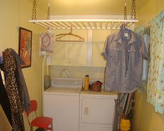 Crib Rail: Repurposed an old crib to replace the drying rack that was taking up valuable up floor space. Repurposed Items, Repurposed Furniture, Diy Furniture, Furniture Design, Antique Furniture, Bedroom Furniture, Old Baby Cribs, Old Cribs, Baby Beds