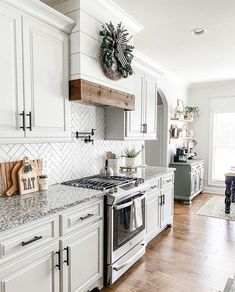 Home Decor Kitchen, Home Kitchens, Kitchen Ideas, Kitchen Cabinets Decor, Grey Cabinets, Home Renovation, Home Remodeling, Farmhouse Homes, Farmhouse Ideas