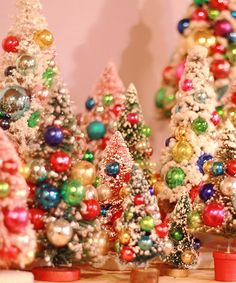 http://heymoxie.blogspot.com/2012/11/vintage-bottle-brush-christmas-trees.html