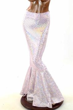 This gorgeous skirt is made of four way stretch lycra spandex, in a shimmering scale pattern hologram!The four way stretch lycra fabric is comfortable and figur Older Women Fashion, Womens Fashion For Work, Fashion Tips For Women, Pink Fashion, Women's Fashion Dresses, Fashion Edgy, Fashion Spring, Fashion 2018, Mermaid Tail Skirt