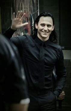 I think Tom is more gorgeous with dark hair