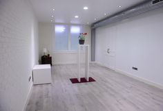 En MMMultiespacio disponemos de 3 salones y 2 despachos para presentaciones, reuniones de empresa, ruedas de prensa, exposiciones, etc.