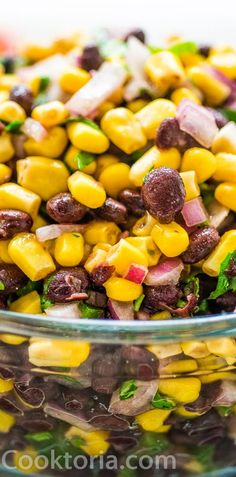 Make this Easy Black Bean and Corn Salsa in just 10 minutes! It's fresh and colorful, perfect for parties, so easy to make, and very addictive! Korean Beef Recipes, Slow Cooker Korean Beef, Mexican Food Recipes, Potluck Recipes, Appetizer Recipes, Healthy Recipes, Appetizers, Chicken Rice Casserole, Bean Casserole
