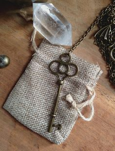 Key to the Heart Key Necklace Key Pendant Key by TrollsMarket Tumblr Necklaces, Key Necklace, Key Pendant, Steampunk Necklace, Very Lovely, Great Gifts, Reusable Tote Bags, Bronze, Chain