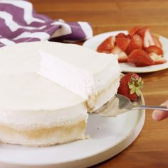Sugar-Free Cheesecake Just because you're on the keto diet, doesn't mean you can't have smooth and creamy cheesecake for dessert.Just because you're on the keto diet, doesn't mean you can't have smooth and creamy cheesecake for dessert. Keto Desserts, Paleo Dessert, Keto Snacks, Easy Desserts, Dessert Recipes, Stevia Desserts, Sugar Free Cheesecake, Cheesecake Recipes, Comida Keto