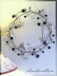 Pluie d'étoiles ! - Argile & Barbotine Christmas Makes, Noel Christmas, Christmas Wreaths, Christmas Crafts, Christmas Ornaments, Cosas American Girl, Wire Crafts, Diy And Crafts, Wire Ornaments