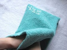 I saw this at kojo designs and have been wanting to make it ever since. I put it off for a while because we have plenty of towels at h. Baby Sewing Tutorials, Sewing Projects, Sewing Ideas, Baby Knitting Patterns, Crochet Patterns, Hooded Towel Tutorial, Hooded Bath Towels, Baby Towel, Handmade Baby