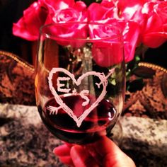 Want to give a special gift to your love? Our heart and initials glasses are a perfect wedding gift, anniversary or Valentine's Day gift for your special someone. #love #wedding #anniversary #gifts