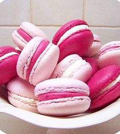 Pink ribbon macaroons <3 colored icing between two cookies! Not necessarily macaroons though. Stm
