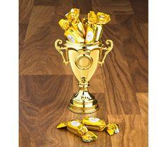 Vítězný pohár + pralinky   magnet-3pagen.cz #magnet3pagencz #3pagen #sweets #sladkosti Magnets