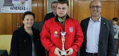ALMUÑÉCAR. Francisco Miguel García Molina, del Club Caballo de Plata, se proclamó campeón del I Torneo Memorial 'Paco Prados' que se celebró en la Casa de la Cultura