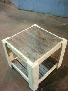 Let's catch and craft a surprising plan of utilization the previous shipping pallet wood into an unambiguously crafted pallet table project. This astonishingly created pallet table set up looks one… Pallet Crafts, Diy Pallet Projects, Pallet Ideas, Woodworking Projects, Woodworking Wood, Diy Pallet Furniture, Furniture Projects, Rustic Furniture, Furniture Nyc