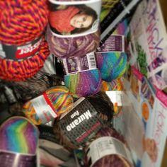 Kundenpakete packen #stricken #knitting #yarn #wollgeschäft #wolle
