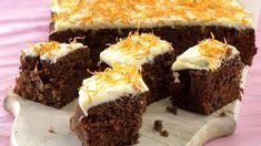 Sjokoladegulrotkake Brownies, Cake Recipes, Tin, Muffin, Sweets, Breakfast, Desserts, Food, Cakes