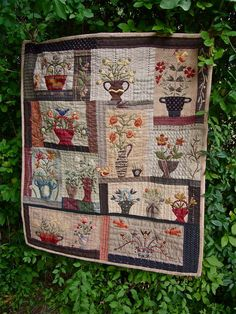 No words, only pictures! Yoko Saito, Japanese Patchwork, Japanese Fabric, Cute Quilts, Small Quilts, Miniature Quilts, How To Finish A Quilt, Doll Quilt, Japanese Embroidery