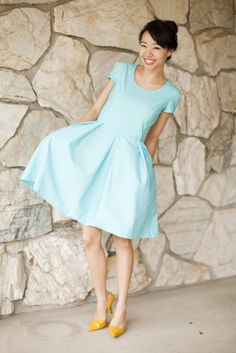 DIY Dress simple but cute. Love the color combo! Unexpected but it works!