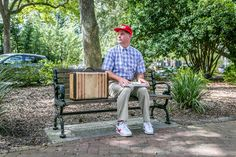 Take a photo on the bench from Forrest Gump in Savnannah