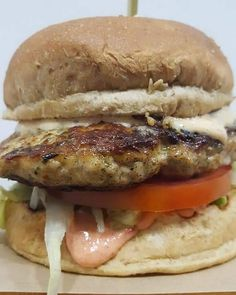 The Chicken…. – Food for Healty Healthy Eating Tips, Healthy Nutrition, Burger Chicken, Greek Menu, Vegetable Drinks, Fruits And Vegetables, Hamburger, Tasty, Meals