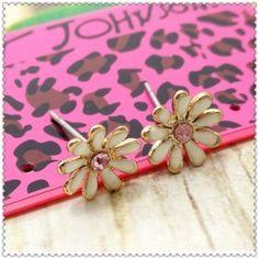 Betsey Johnson Pink Daisy crystal  earrings& free Gift $4.99  #BetseyJohnson #Cameo
