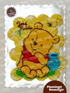 Baby Winnie Pooh cupcake cake / Pastel formado con cupcakes Winnie Pooh bebé