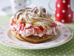 Das Rezept für Sylter Windbeutel mit Erdbeersahne und weitere kostenlose Rezepte auf LECKER.de