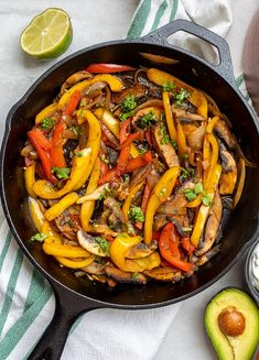 You only need a few ingredients and less than 30 minutes to make these delicious Vegetarian Fajitas. Vegetarian, vegan friendly, and even an option for oil free, these Vegetable Fajitas are still hearty while being an incredibly healthy meal! Vegan Mexican Recipes, Veggie Recipes, Real Food Recipes, Vegetarian Recipes, Ethnic Recipes, Vegetarian Fajitas, Vegan Fajitas, Homemade Fajita Seasoning, Homemade Salsa