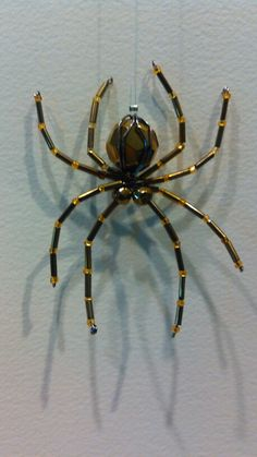 182 Wire Jewelry, Beaded Jewelry, Jewellery, Christmas Spider, Beaded Spiders, Bug Art, Beaded Crafts, Little Critter, Craft Corner