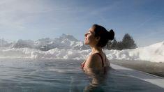 La montagne vous appelle à vivre des instants de bien-être.   Laissez de côté le rythme effréné de votre quotidien ! Prenez de l'altitude pour vous offrir une bulle d'oxygène.  Les Bains de Villars   Laissez-vous choyer, plongez dans les bains bouillonnants et reconnectez-vous à l'essentiel ! Les bienfaits de l'eau chaude ou d'un massage alliés à un cadre naturel unique sont sources d'évasion. Altitude, Massage, Unique, Winter, Nature, Travel, Water Benefits, Travel Inspiration, Mountain