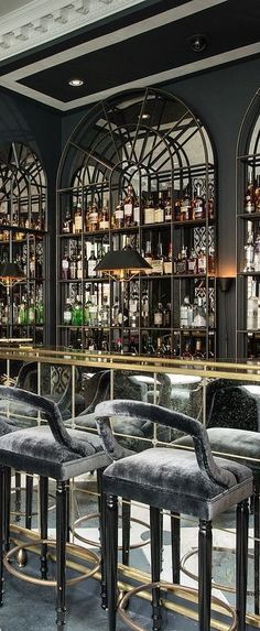hotel bar Get to know the best interior design ide - hotel Restaurant Design, Decoration Restaurant, Luxury Restaurant, Hotel Decor, Cafe Restaurant, Restaurant Seating, Restaurant Lighting, Restaurant Furniture, Café Design
