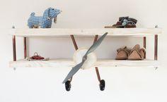 Vliegtuig wandplank kinderkamer via kinderkamerstylist.nl-2