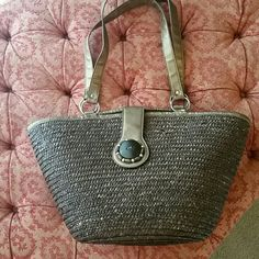 Brown natural fiber bag Brown natural fiber woven handbag. Zippered closure at top also fasten with magnetic decorative flap across top.  One pocket inside.  Perfect for beach, pool, or a simple easy to use bag. Excellent like new condition Smoke free home Bags Totes